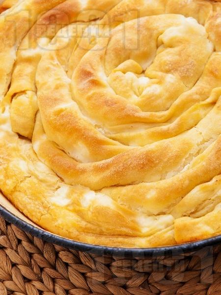 Теглена баница със сирене - снимка на рецептата